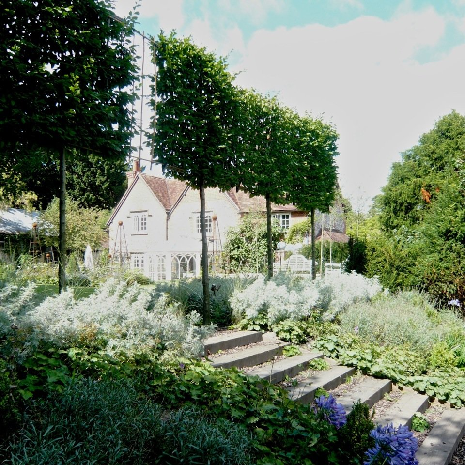 A pretty cottage garden design by Joanne Alderson Design