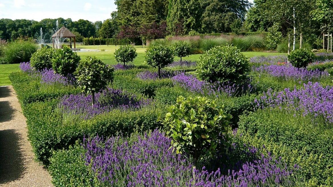 Large Gardens Estates