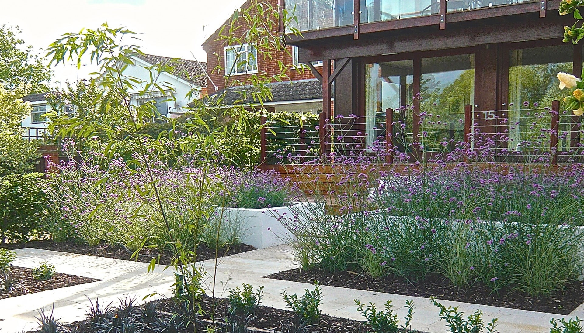 A-contemporary-riverside-garden-on-the-Thames-by-Jo-Alderson-Phillips-