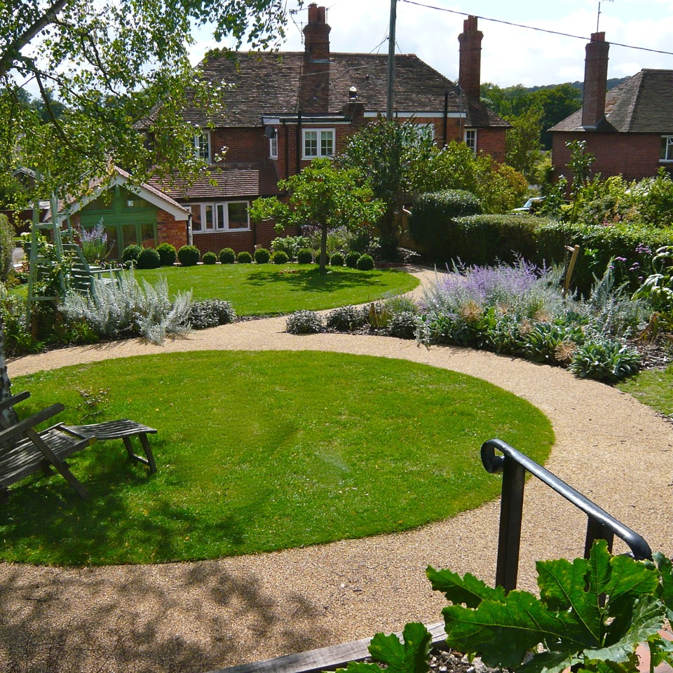 Joanne alderson landscape and garden designer for Garden design oxfordshire