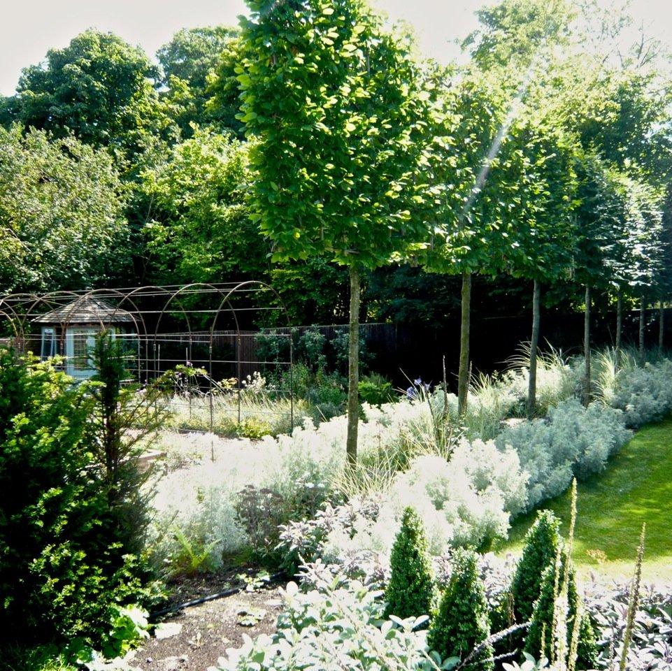 Pretty cottage garden & kitchen garden in Streatley on Thames by Joanne Alderson Design
