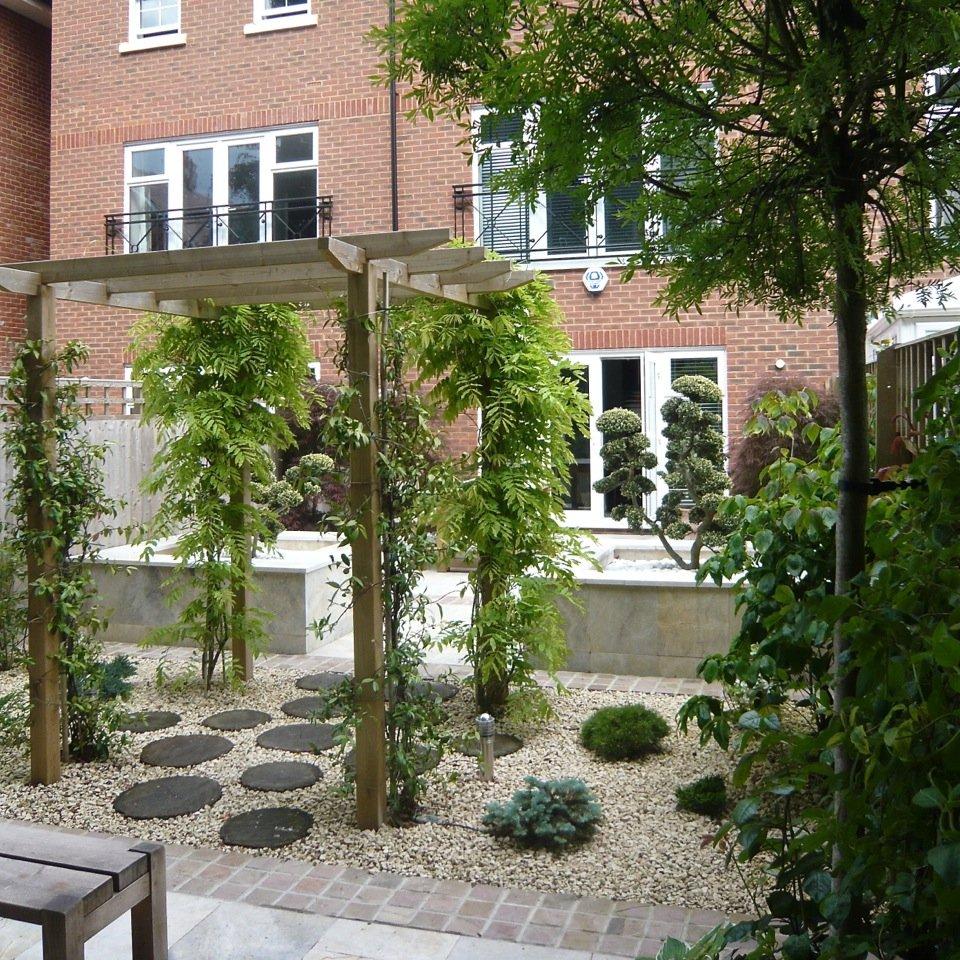Zen garden scheme for a small town garden in Wantage