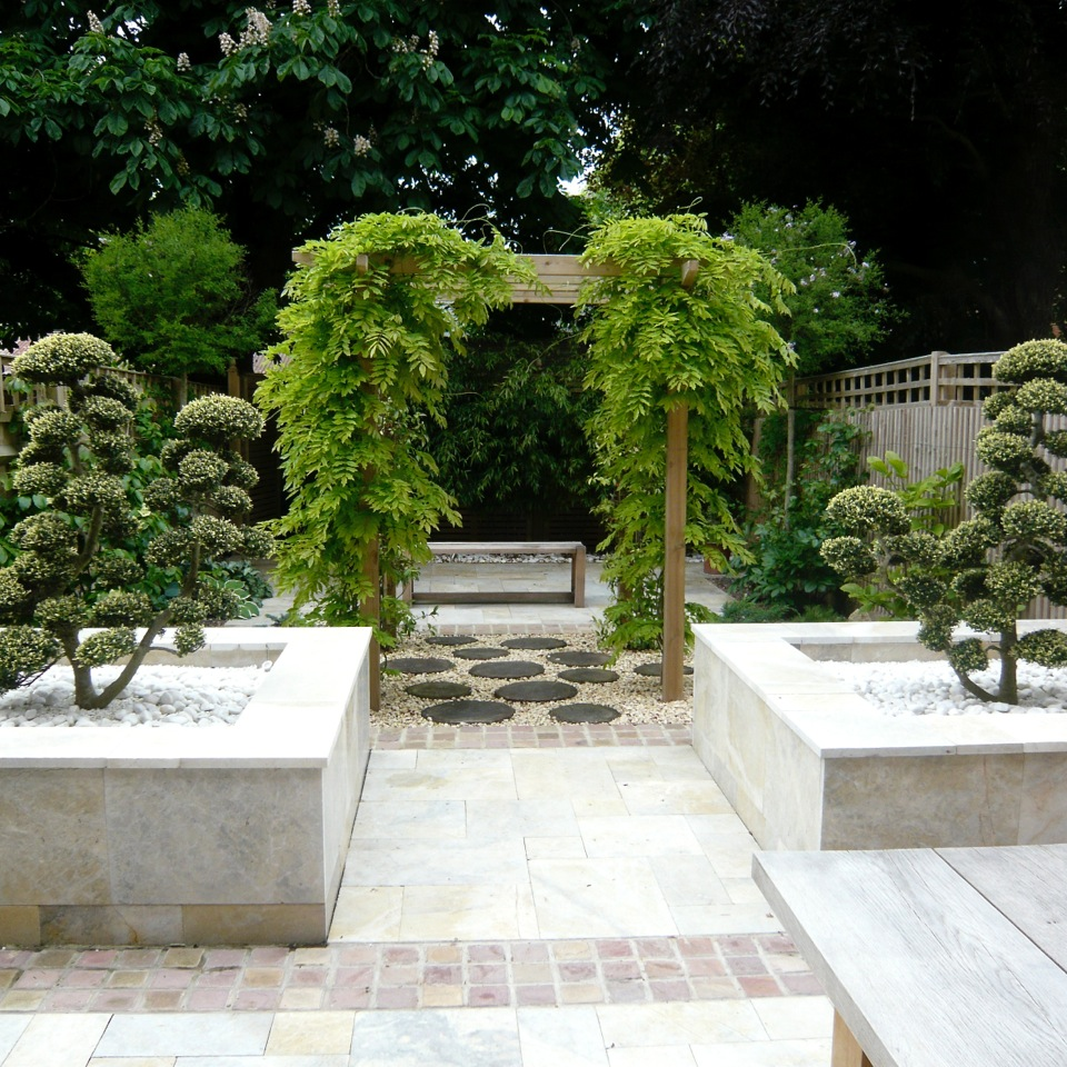 JOANNE-ALDERSON-GARDEN-DESIGN-BERKSHIRE-SUMMER-TREES-4