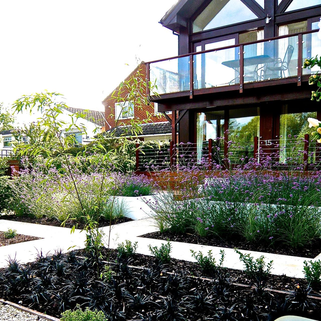 Purley on thames riverside garden by www.joannealderson.com 2
