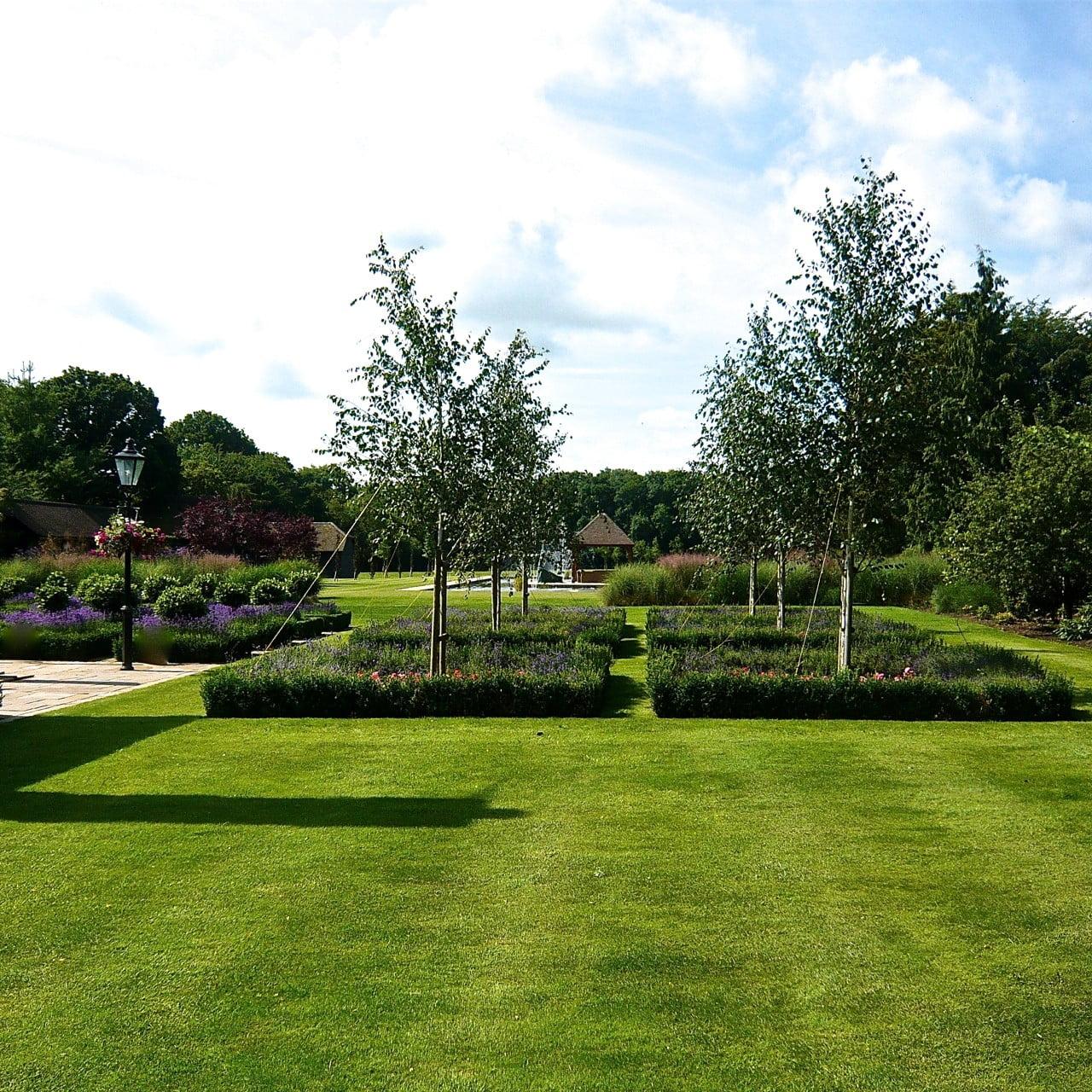 Formal-country-garden-10-www.joannealderson.com_