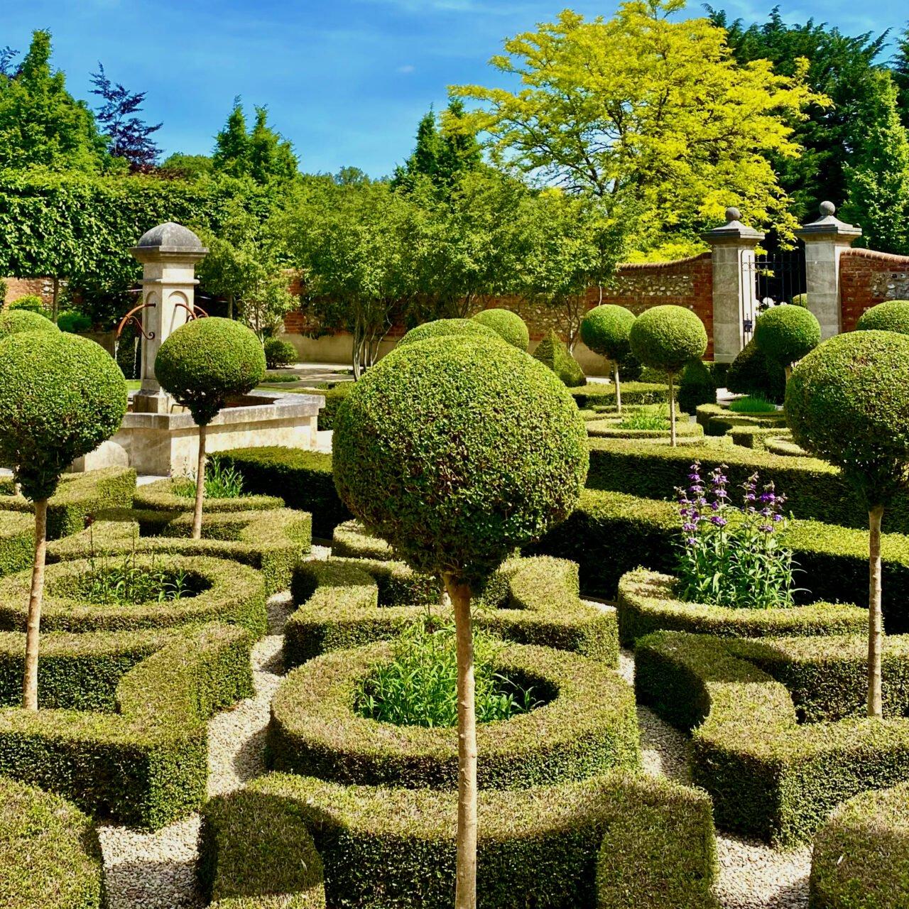 Knot garden-parterre by Jo Alderson Phillips