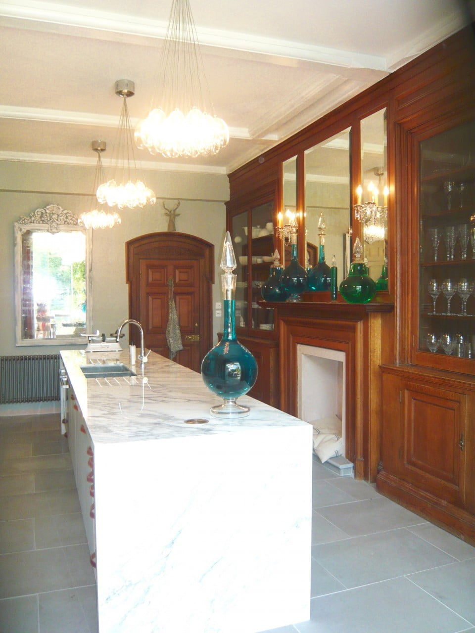 We redid the kitchen of our Victorian house & here it is now complete. I don't just design gardens!