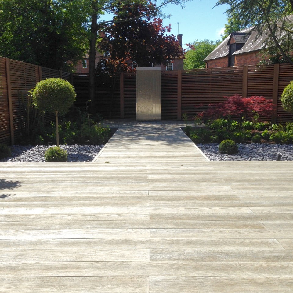 Here's the water feature in the modern small garden